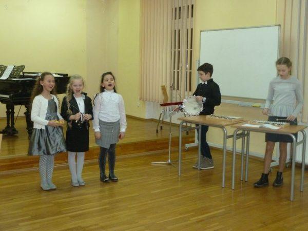 Koncert uczniów Społecznego Ogniska Muzycznego